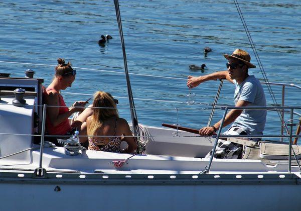 Voyage sur un voilier, comment bien s'équiper?